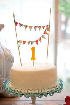 Cute first birthday cake.
