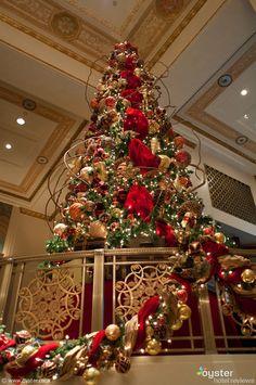 Waldorf Astoria lobby at Christmas
