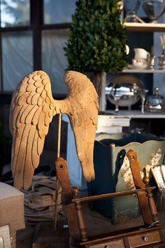 love the angel wings