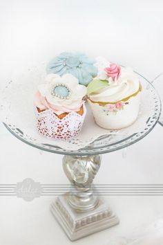 Vintage Lace & Pearls Cupcakes