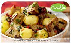 Berenjena al horno salteada con papas y variedad de pimientas