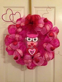 Valentines Deco mesh owl wreath