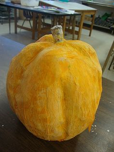 Great Blog Post by Doodling in My Mind for a paper mache pumpkin....more images and instructions on her blog http://darlasdoodlinginmymind.blogspot.com/2011/10/halloween-funpapier-mache-and-homemade.html