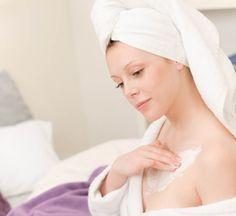 Aprende cómo humectar tu piel y despídete de la piel seca con estos 8 tips para cuidarla. #CuidadosdelaPiel #Piel #Skin #Belleza #Beauty #TipsdeBelleza #ConsejosdeBelleza #StIves