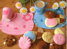 DIY felt Lovely Cookie set and cups,place mat-sooo cute!