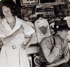 Walker Evans, West Virginia, 1935; gelatin silver print, 7 1/2 in. x 7 1/2 in. (19.05 cm x 19.05 cm); Collection SFMOMA, Accessions Committee Fund purchase