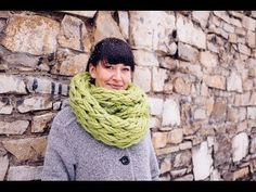 Arm Knit an Infinity Scarf in 30 Minutes 30 min infinity scarf, infinity scarfs, 30 minute scarf, arm knit infinity scarf diy, infin scarf
