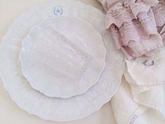 Love Kabartmalı beyaz porselenler Romantik sofistike masa dekorasyonu Romantikev