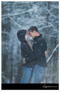 Winter Couple Snow Session | d-Squared Designs Couple Photography St. Louis, MO #dsquareddesigns
