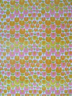 Vintage 70s Wallpaper yellow pink floral