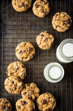 Flourless Peanut Butter Chocolate Chip Cookies - 6 ingredients, 1 bowl, dough made in 5 minutes.