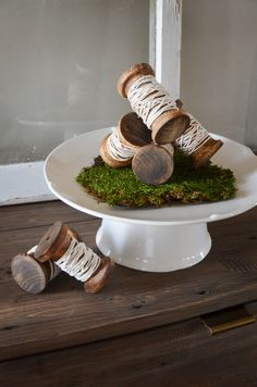 Vintage inspired wooden spools