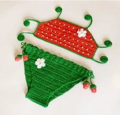 Strawberry Bikini pattern available in May's issue Inspired Crochet plus 13 other patterns...comes out to $.25 per pattern!