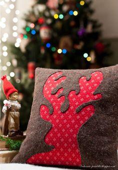 reverse applique reindeer pillow