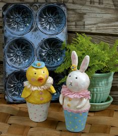 Paper clay chick and bunny designed by @Rebekah Meier.   Instructions on blog!