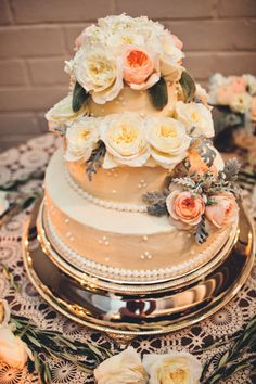 Real #wedding ideas: Jenna and Troy - US weddings - outdoor weddings http://www.weddingandweddingflowers.co.uk/article.php?id=673 Photography: Lindsey Gomes