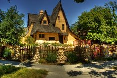 The Spadena House, Beverly Hills, CA Visbeen Associates, ARCHITECTS: Architectural Tutorial: Storybook Homes