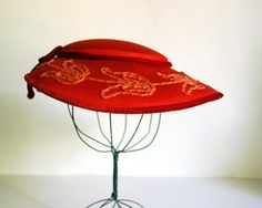 1940s Red Picture Hat with Embroidery
