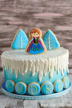 Haniela's: Movie Frozen Cake with Cookie Decorations