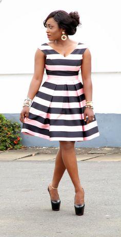 outfit, curvy women, little black dress plus size, stripe, curvi girl