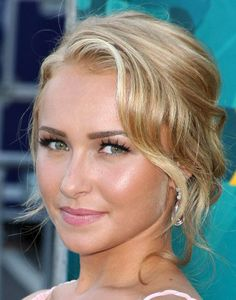 Hayden Panettiere - wavy updos. Ball hair
