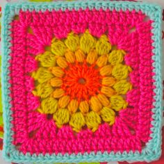 Sarah London | FREE Motif Monday: Sunburst Granny Square