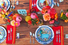 Fiesta table setting by Ruffled Blog