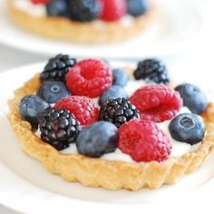 Berry tartlets with sweet and light creamy filling. Perfect if you want a healthier alternative to cream cheese filling!