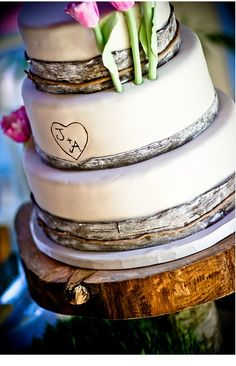 Rustic, Country Wedding Cake sunflowers instead of those flowers