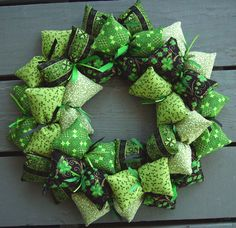 St Patricks Day Wreath holiday, craft, christma decor, gift cards, st patricks day, irish, fashion merchandising, wreaths, stpatrick