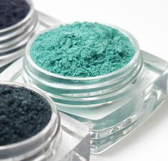 Bellaphoria Unique Eyeshadow. Fragrance-free, organic, non-gmo, gluten-free, corn-free, made in Canada. Available @ Bellaphoria.com (Ontario, Canada) #fragrancefree #unscented #scentfree #organic #nongmo #talcfree #glutenfree