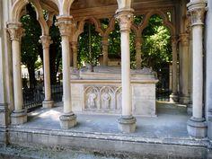 ❥ Paris~ tomb of Pierre Abélard and Héloïse