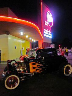 Bob's Big Boy – A Burbank CA Landmark Location - Gotta Go Here Again!