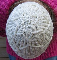 Lumikukka free knit pattern