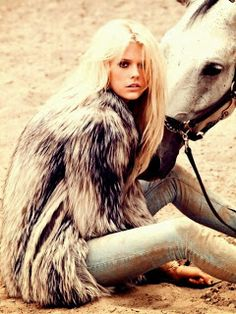 air france, furs, fashion styles, blond, hors photoshoot