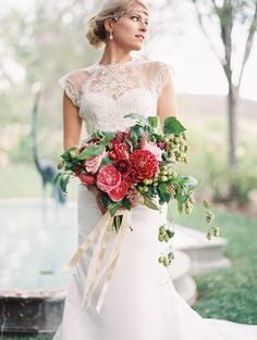 Stunning bouquet, Great Gatsby Inspired Wedding Style from Oak & the Owl and Tonya Joy via Snippet & Ink.