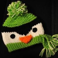 Penguin knit hat.  #knitpenguinhat #loomknitting
