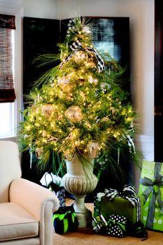idea, christmas tables, altern tree, nell hill, christma decor, christma tree, black white, holiday decor, christmas trees