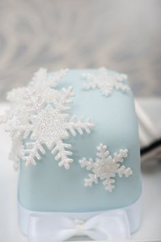 Snowflake, pretty ice blue cake