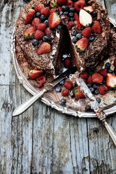 Chocolate and Strawberry Cake | Food, Photography and Stories