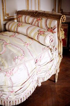 French day bed in sweet pinks