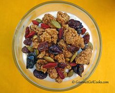 "Gourmet Girl Cooks: Cinnamon Vanilla Yogurt Topped with Low Carb ""Granola & Fruit"""