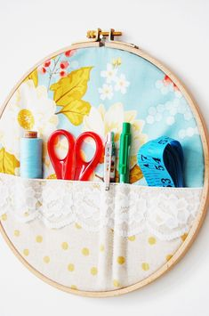 DIY Embroidery Hoop Sewing Storage, so cute. To make with hankie and doily