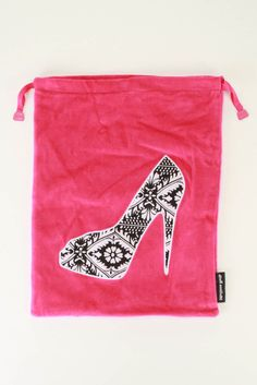 She-She Shoe Bag In Hot Pink.