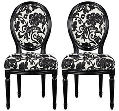 these chairs are perfect for the black dining table i don't have yet :)