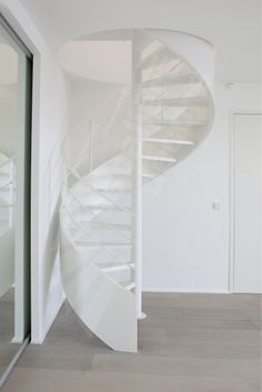 Dh93 spir 39 d co caisson escalier h lico dal m tallique d 39 int rieur design et contemporain for Interieur contemporain