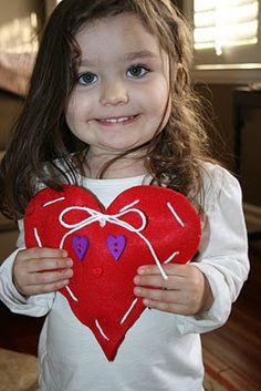 valentine crafts, valentine day crafts, felt hearts, valentin craft, easi valentin, two hearts, holiday idea, kid styles, kid crafts