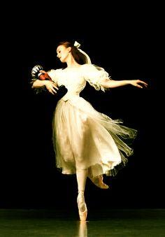 The Nutcracker - Madeleine Eastoe of The Australian Ballet, as Clara