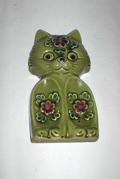 Vintage Avocado Green Ceramic Spoon Rest