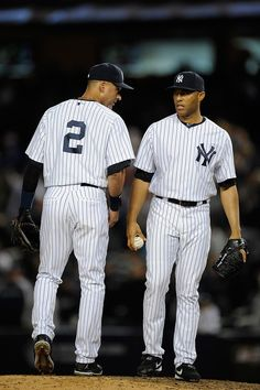 Derek Jeter and Mariano Rivera Photo - Detroit Tigers v New York Yankees - Game 1